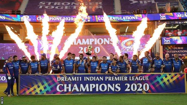 Mumbai Indians team celebrating winning the 2020 IPL