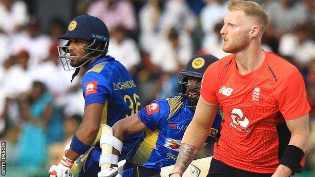 Sri Lanka's Dinesh Chandimal and Niroshan Dickwella with England's Ben Stokes