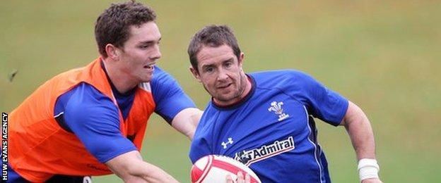 George North tries to catch Shane Williams in Wales training