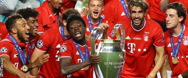 Alphonso Davis, jucător al Bayern München ridică Liga Campionilor