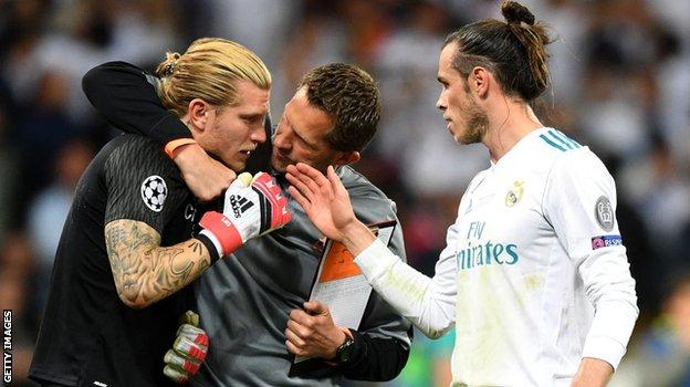 Gareth Bale was one of the Real players to console Karius
