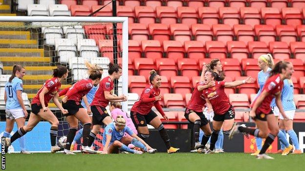 Man Utd come from 2-0 down to draw with City in WSL derby thumbnail