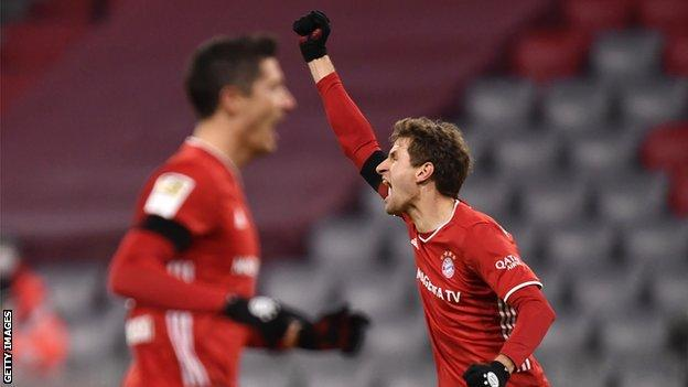 Thomas Muller/Robert Lewandowski