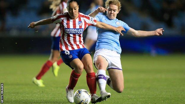 Aoife Mannion in action for Manchester City Women