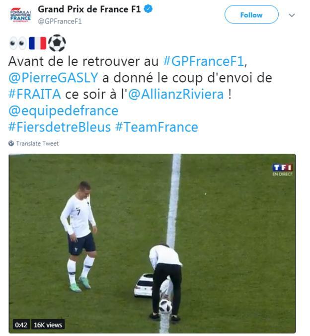 Twitter video of Pierre Gasly taking kick off