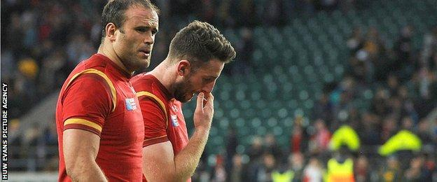Jamie Roberts consoles Alex Cuthbert after Wales' World Cup defeat to South Africa