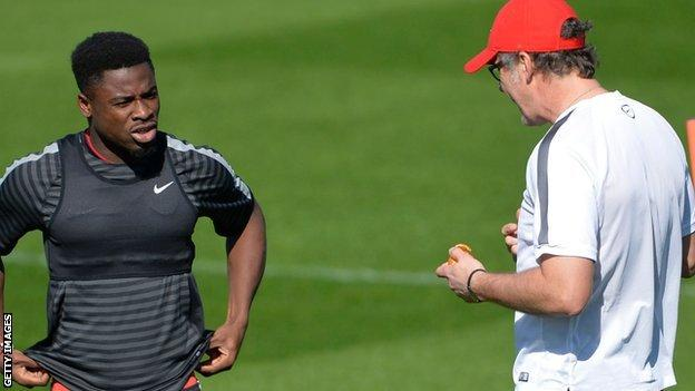 Serge Aurier condemned by PSG manager Laurent Blanc