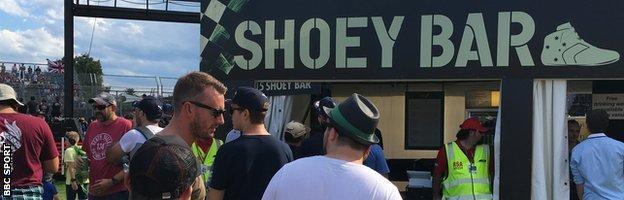 Shoey Bar