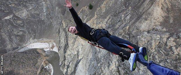 Chris Ashton does a bungee jump