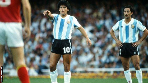 Diego Maradona and Ossie Ardiles playing for Argentina in 1982
