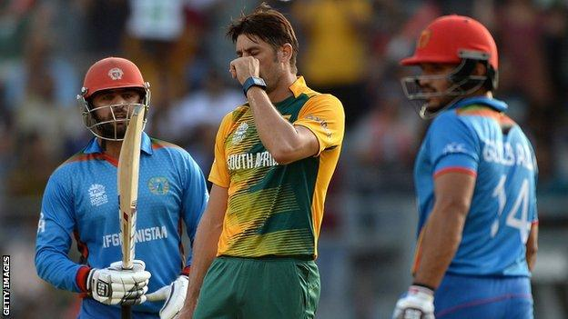 Afghanistan's Noor Ali Zadran and Gulbadin Naib in action against South Africa