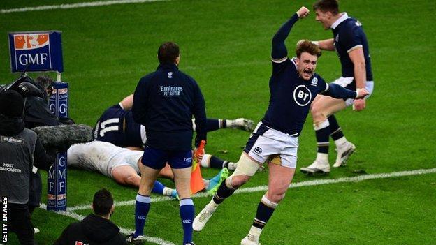 Duhan van der Merwe scores for Scotland