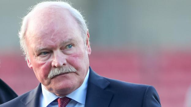 Ronnie McFall to replace Gary Haveron at Glentoran until end of season