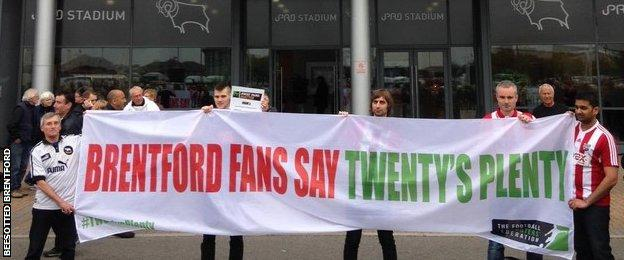 Brentford fans team up with Derby fans at the iPro Stadium