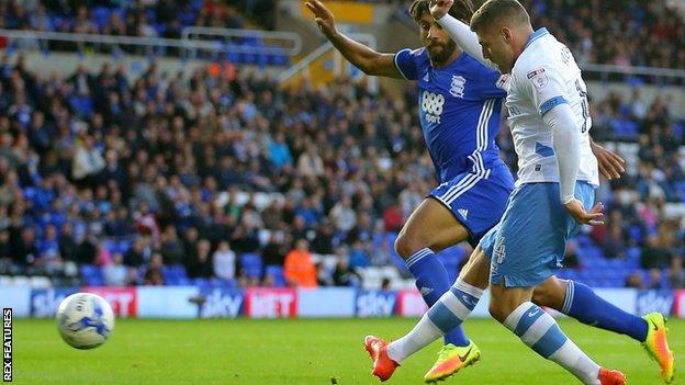 Gary Hooper scores for Sheffield Wednesday