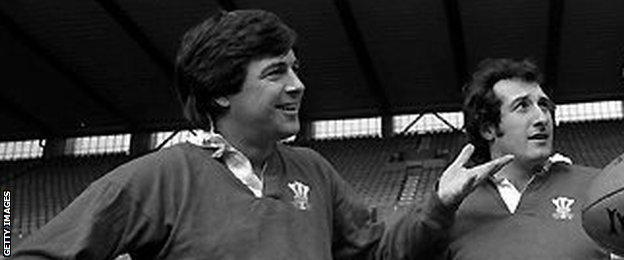Barry John (L) and Gareth Edwards were Wales and Lions half-back partners