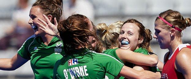 Irish players celebrate after Anna O'Flanagan scores against the USA