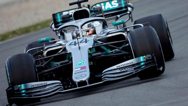 F1 testing: Mercedes under pressure from easy to drive Ferrari thumbnail