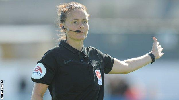 Referee Rebecca Welch