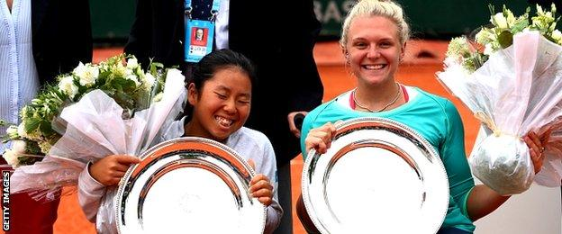 Yui Kamiji of Japan and Jordanne Whiley of Great Britain