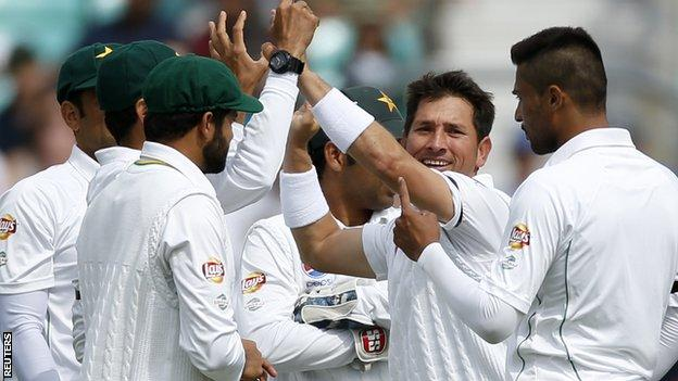 Pakistan beat England by 10 wickets at The Oval