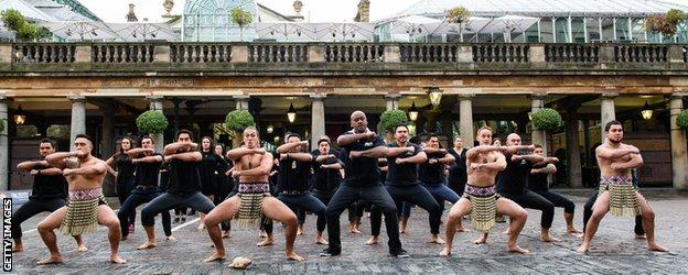 Jonah Lomu takes part in a haka in Covent Garden ahead of the World Cup