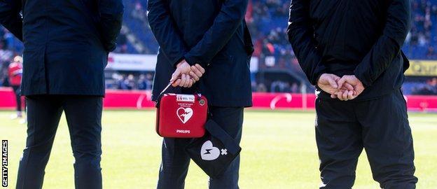 Doctors at Dutch game between PSV and Feyenoord