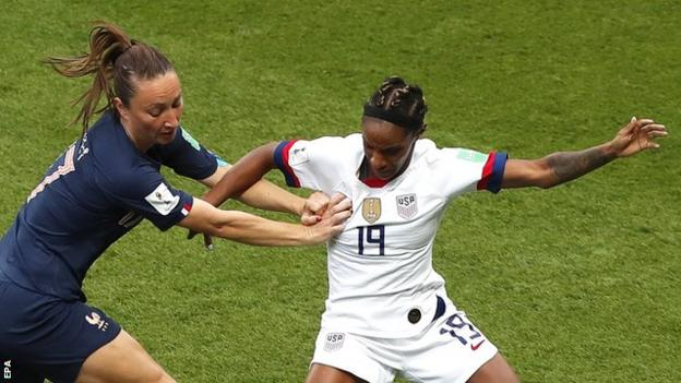 Full-back Crystal Dunn was outstanding as the United States stifled the attacking threat of Eugenie le Sommer, Kadidiatou Diani and Valerie Gauvin