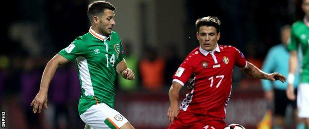 Wes Hoolahan battles with Moldova's Gheorghe Andronic in Sunday's World Cup qualifier