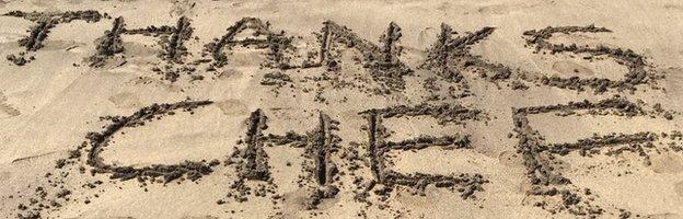Adam Todd's message in the sand read 'Thanks Chef'