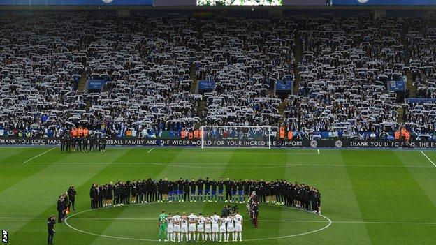 Leicester and Burnley players during a two minutes' silence