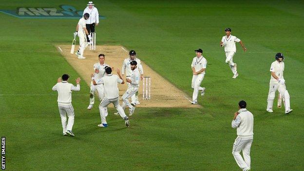 New Zealand celebrate Joe Root's wicket