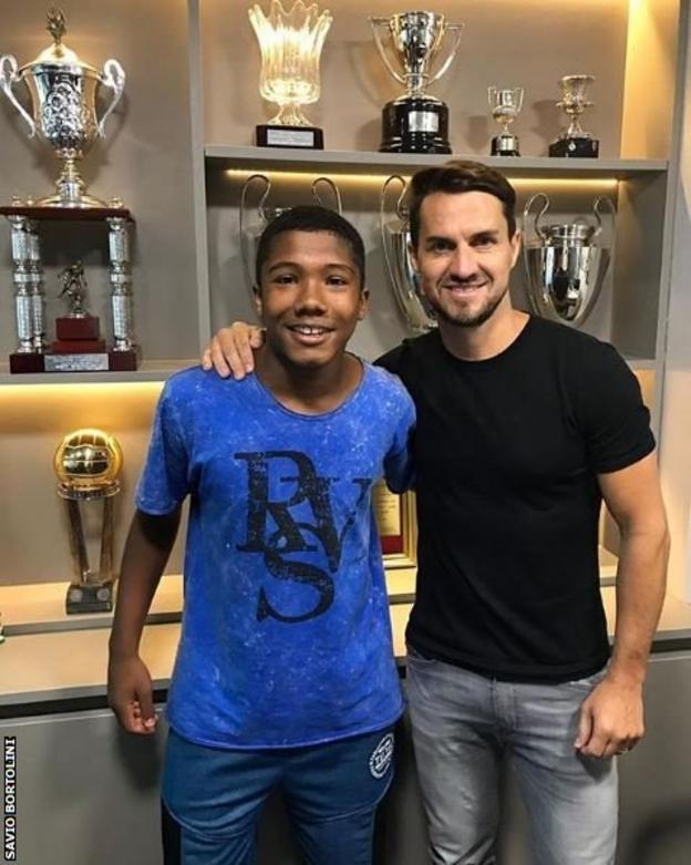 Vitor Isaias and Savio Bortolini