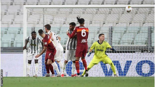 Juventus 1 3 Roma Juve Lose Serie A Home Game For First Time Since 2018 Bbc Sport