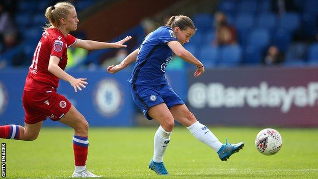 Fran Kirby scores for Chelsea