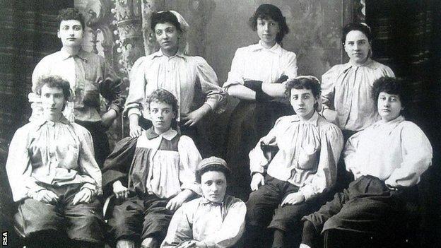 The British Ladies team photo from 1895