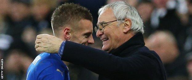 Leicester striker Jamie Vardy gets a hug from manager Claudio Ranieri after he is substituted at Newcastle
