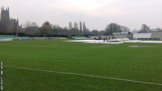 Worcestershire rained off for a third straight day at New Road in their season opener against Kent