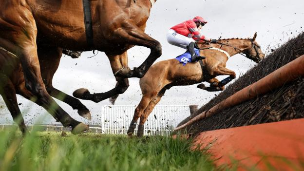 TAUNTON, ENGLAND - MARCH 19: Charlie Hammond riding Midnight Owle on their way to winning The Chetwood Wealth Management Novices' Handicap Chase at Taunton Racecourse on March 19, 2019 in Taunton, England. (Photo by Alan Crowhurst/Getty Images)
