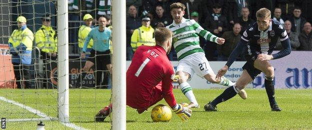 Patrick Roberts makes it 2-1 to Celtic