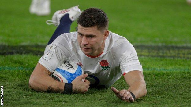 England beat Italy with bonus point to put pressure on Ireland - report & highlights thumbnail