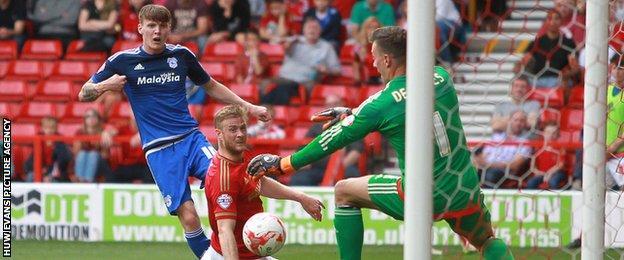Joe Mason fires an effort towards Forest goalkeeper Dorus de Vries