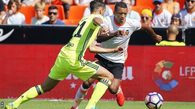 Valencia winger Nani (right)