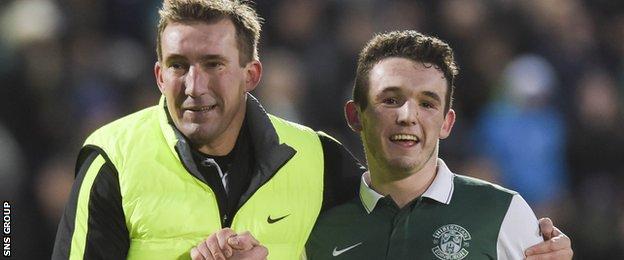 Alan Stubbs with Hibs midfielder John McGinn