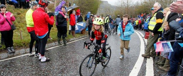 Crowds at the Tour de Yorkshire