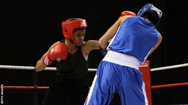 Ramla Ali boxing