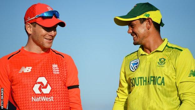 England captain Eoin Morgan with South Africa captain Quinton de Kock