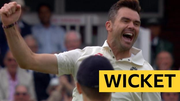102908961 p06h33hd - England v India: James Anderson dismisses Vijay with fourth ball