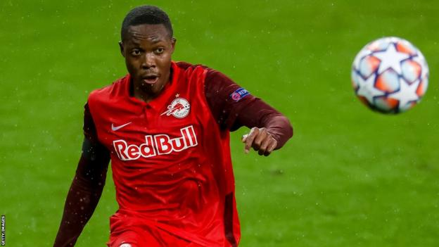 Enock Mwepu in action for Red Bull Salzburg