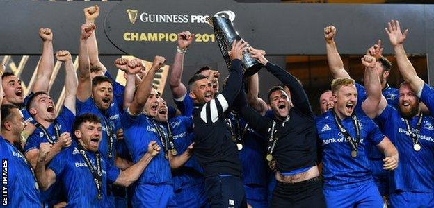 Leinster celebrate winning the Pro14